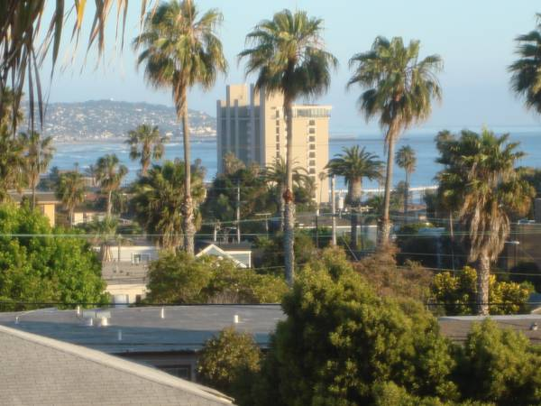 - $1650 450ftsup2 - Water View StudioParkingFree Utilities (Pacific Beach)