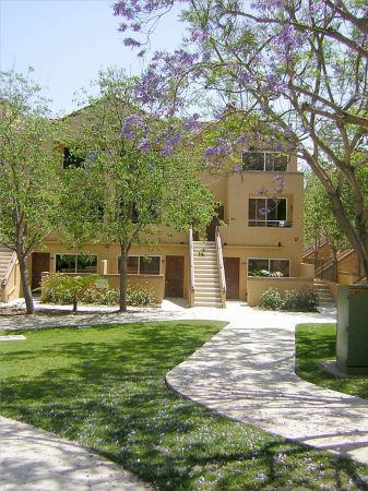 $1750 1br - Fully furnished CONDO 2 blks E. of FRWY 5 (UCSDLa JollaSD AREA)