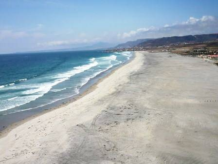 - $195 5br - Big BAJA House on the sandy Beach 45 mins south of San Diego (La Salina, Rosarito, Ensenada, Puerto Nv)