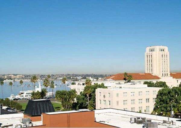$118 2br - 1022ftsup2 - ACCENT HOUSING LUXURY MODERN HOME IN DOWNTOWN - ALL INCLUSIVE (DOWNTOWN)