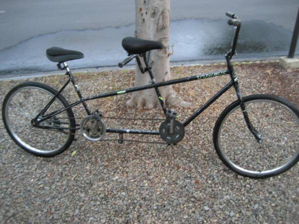 TREK TANDEM 26 BICYCLE ... FOR 1 OR 2 PEOPLE... GREAT CONDITION - $200 (ESCONDIDO)