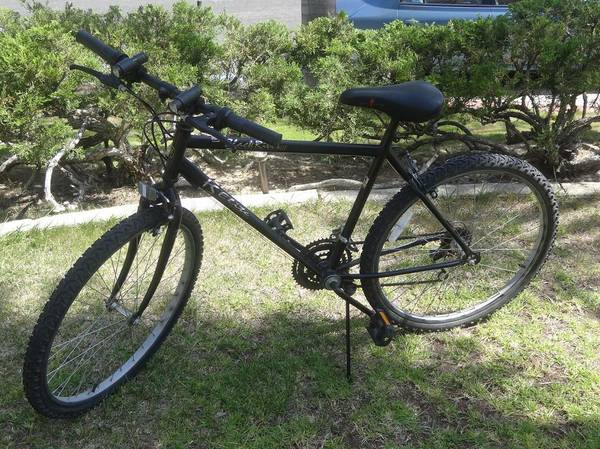 Mens BIKE Black River Canyon III 18 Speed - $100 (Tierrasanta)