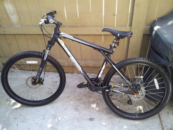 GT avalanche 3.0 mountain bike (san diego)