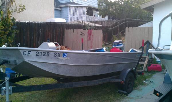 14.5 ft aluminum boat with 25 horse evinrude - $3000 (santee)