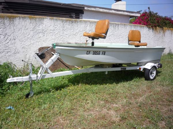 FISHING BOAT, 9.9 HP JOHNSON OUTBOARD, TRAILER like NEW (SAN DIEGO)