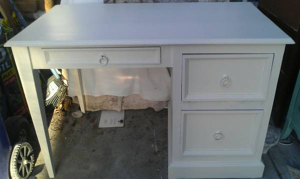 Great Cottage - Beach Chic Desk - $250 (Pacific Beach)