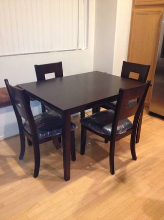 Beautiful Dining Table with Leather Chairs - $225 (San Diego)