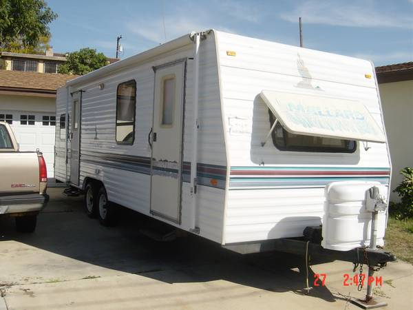 1995, 27 Fleetwood Mallard Travel Trailer - $7000 (Chula Vista- Like new)
