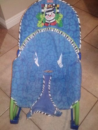 FISHER PRICE ROCKING CHAIR - $5 (EASTLAKE CHULA VISTA)
