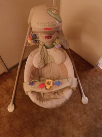 span classstarspan Fisher Price Natures Touch Baby Papasan Cradle Swing - $75 (El Cajon)