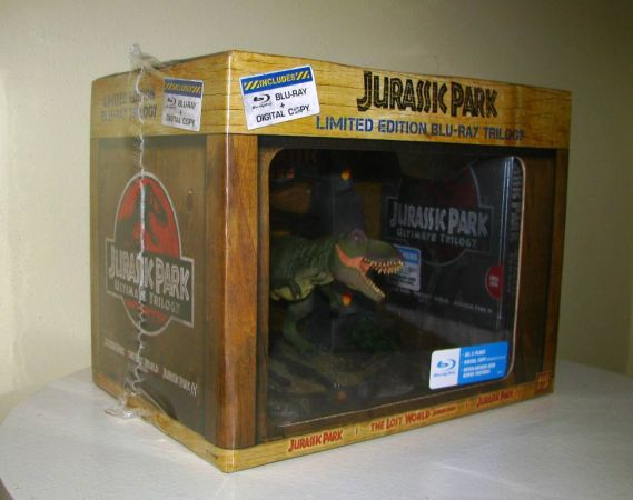JURASSIC PARK ULTIMATE TRILOGY 3-DISC BLU-RAY TRILOGY - Like NEW - $80 (Oceanside)