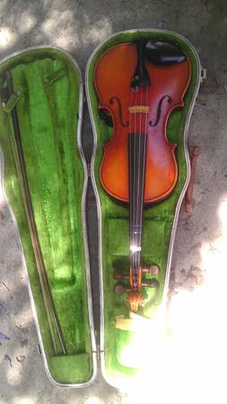 copy of ANTONIUS Strativarius Faciebat Cremona 1713 VIOLIN Half Size - $75 (SAN MARCOS)