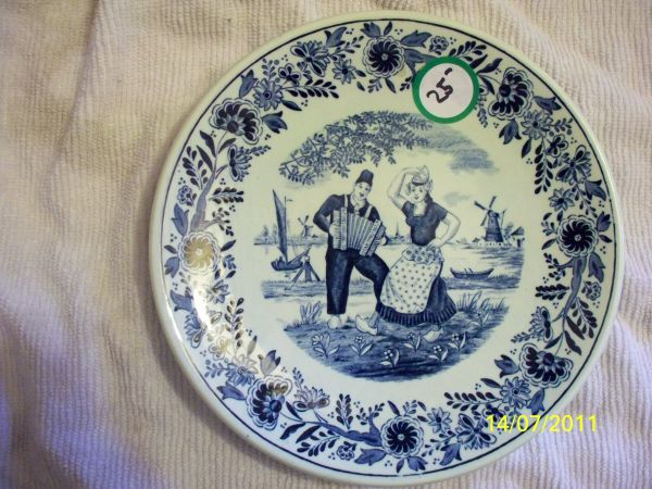 BLUE AND GREEN DELFT COLLECTIBLES (La Mesa)