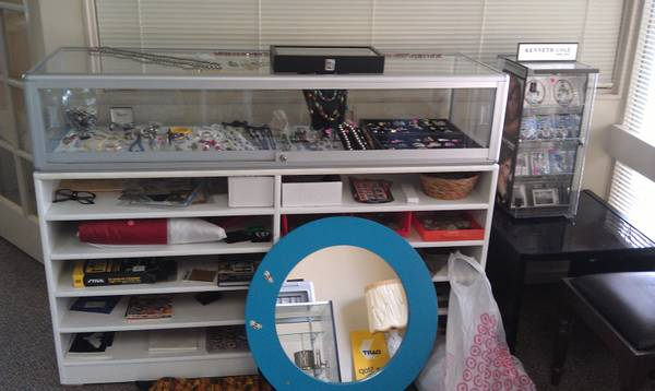 Saturday Only... Big Collectors Estate Sale... Jewelry Collectables - $1 (Mira Mesa)
