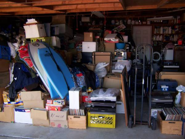THURSDAY PRE-SWAP MEET SALE VINTAGE AUDIO, RECORDS, SUNGLASSES, MORE - $1 (San Marcos Hills)