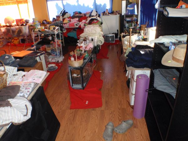 Indoor Moving sale until 5PM Today (2003 Bayview Heights Dr, San Diego CA 92105)