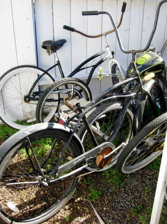 WE ARE SELLING LOTS OF BEACH CRUISERS - $25 (OCEANSIDE)