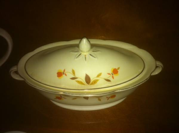 China, Jewel Tea Serving dish wlid - $15 (El Cajon, CA)