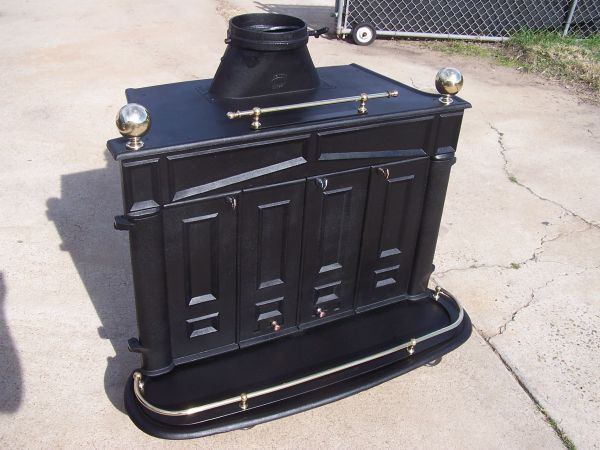 Large (Antique) Cast Iron WoodGas Stove Beautifully Reconditioned - $798 (La Mesa)
