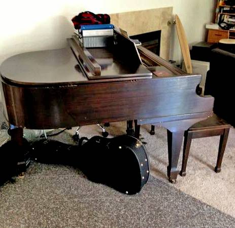 Baby Grand Piano for Sale - $700 (Cardiff by the Sea)