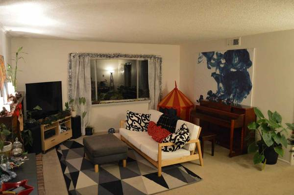 - $800 Large room with own bathroom (Modoc rd)