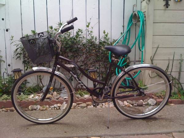 26 WOMENS HUFFY BEACH CRUISER BIKE - $110 ((SANTA BARBARA))