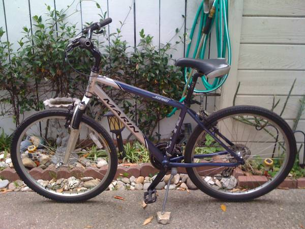 26 MENS MARIN STINSON 21-speed hybridcomfort bike - $220 (santa barbara)