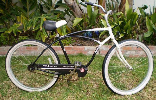 Schwinn Cruiser SS Bicycle BlaCK wHT. USED COND. WORKS GREAT Cus - $89 (SANTA BARBARAs East Side)