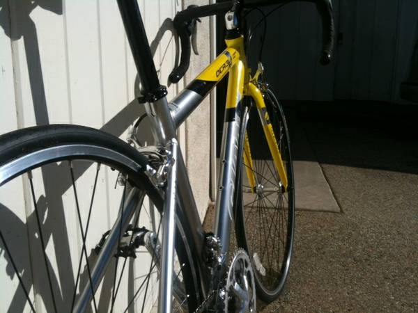Giant OCR3 Road Bike - $400 (Santa Barbara, CA)