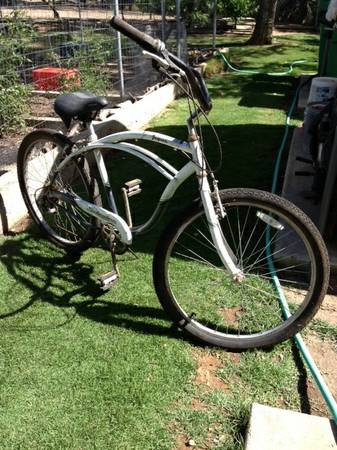 Schwinn Jaguar 7-speed cruiser - $100 (goleta)