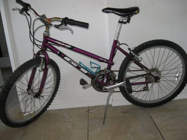 21 speed mountain bike palomar gt - $50 (isla vista)