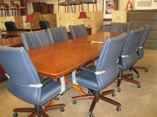 Conference Table wClaw Feet 8 Chairs (Templeton)