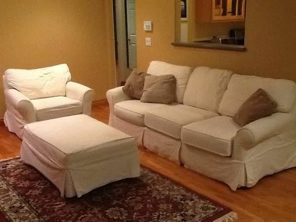 Stylish Crate and Barrel Living Room Set with queen hidabed - $800 (Ventura CA)