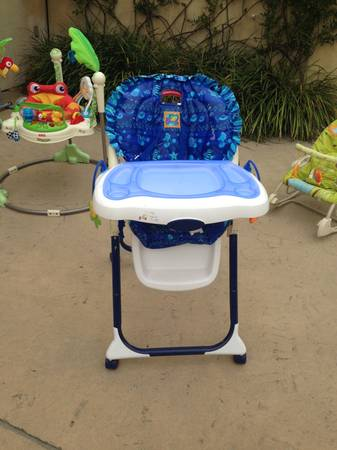 High Chair - Fisher Price Ocean Wonders - $35 (Montecito)