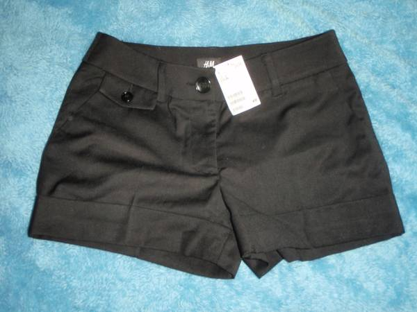 H M Black dress shorts, NEW w tag, Size 6 - $10 (Santa Barbara)