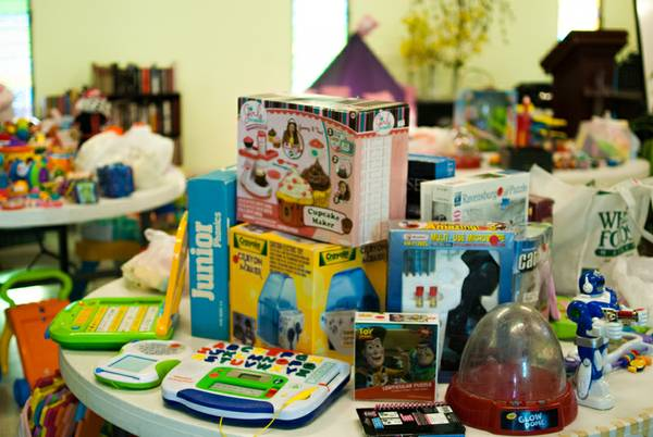 LEARNINGDEN PRESCHOOL RUMMAGE SALE - FRIDAY 3-5, SATURDAY 8-2 (4485 Hollister, Santa Barbara)