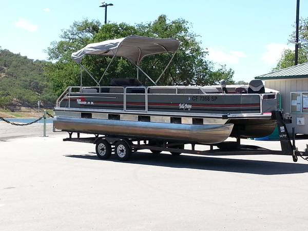 24ft pontoon boat rental - $375 ( lake nacimiento and lake san antonio)