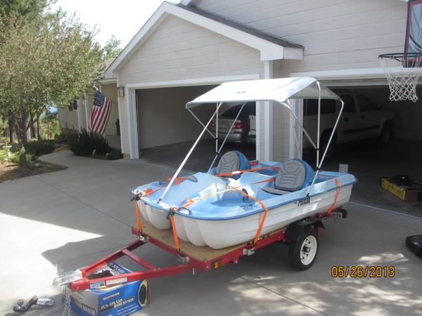 Pelican Paddle Boat-with Trailer - $600 (Show Low Az)