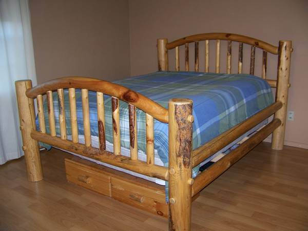 Gorgeous Log Bed-Queen Size - $800 (Lakeside, Arizona)