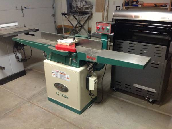 8 Jointer Grizzly Long Bed - $750 (Pinetop)