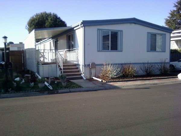 $550 2 Single Rooms 1 available NOW (SLO)