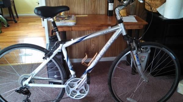 Trek 7100 Hybrid or Cross Comfort Bike. Do you have back problems - $280 (Arroyo Grande, CA)