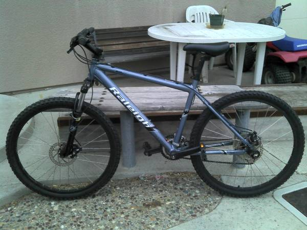 Warning Stolen Blue-gray Raleigh Mountain Bike M40 (Morro Bay, CA.)