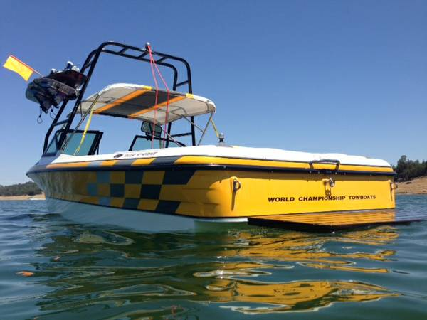 Wakeboard Boat Rental (Lake Nacimiento and Lake San Antonio)