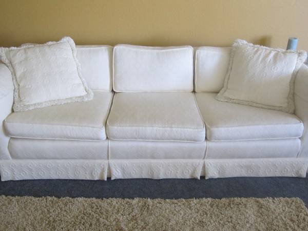 Nice White Couch - $125 (Templeton)