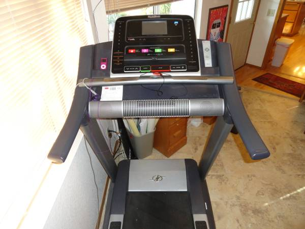 Treadmill NordicTrack Commercial 1750 - $850 (Paso Robles, CA)