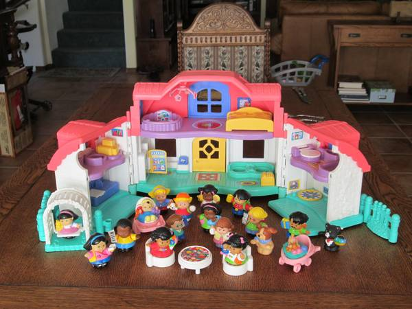 Fisher-Price Little People Sweet Sounds Home dollhouse - $25 (Atascadero)