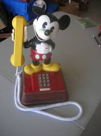 Vintage 1976 Disney Mickey Mouse Push Button Phone - $60 (paso robles)