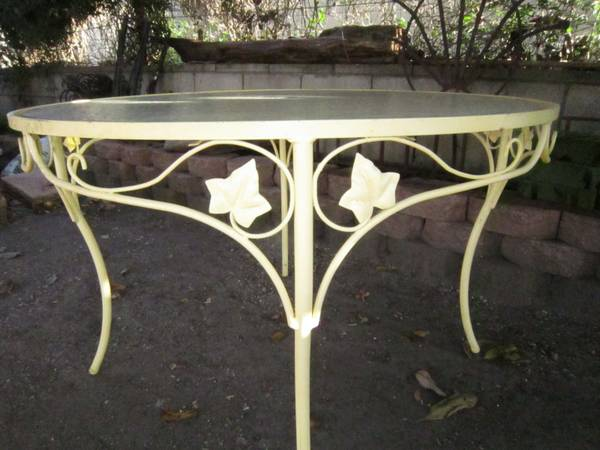 Vintage 1950s 60s Wrought Iron Patio Dining Table Base Grape Leaves - $25 (Shell Beach)