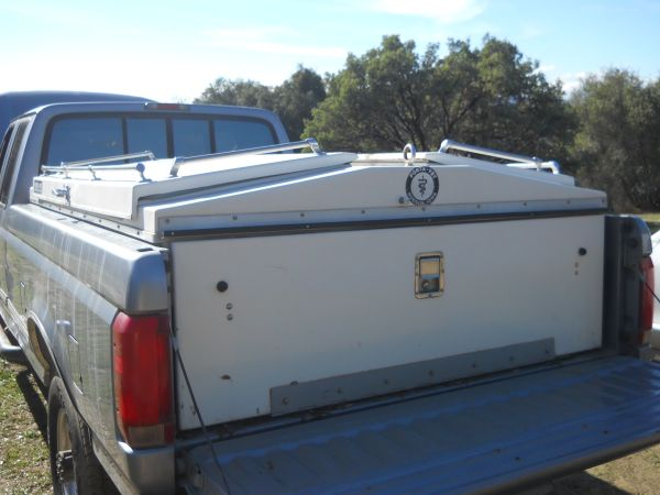 Dairy Ranch Vet Box Porta Vet 8 foot bed Good Condition Make Offern (North Fork Ca 93643)